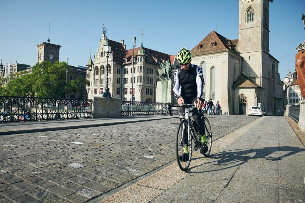 Halt auf der Münsterbrücke mit Blick auf das Limmatquai