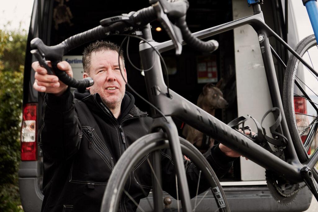 Adi Hess, mobiler Velomechaniker